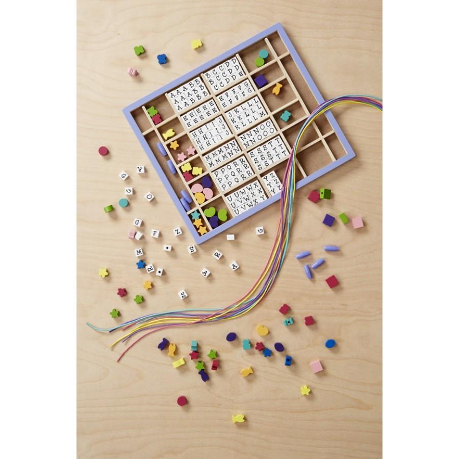 perles enfiler lettres et formes colliers fabriquer. Black Bedroom Furniture Sets. Home Design Ideas